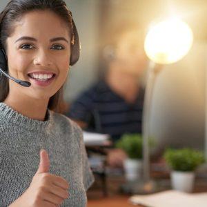 Inside Sales motivierte Mitarbeiterin